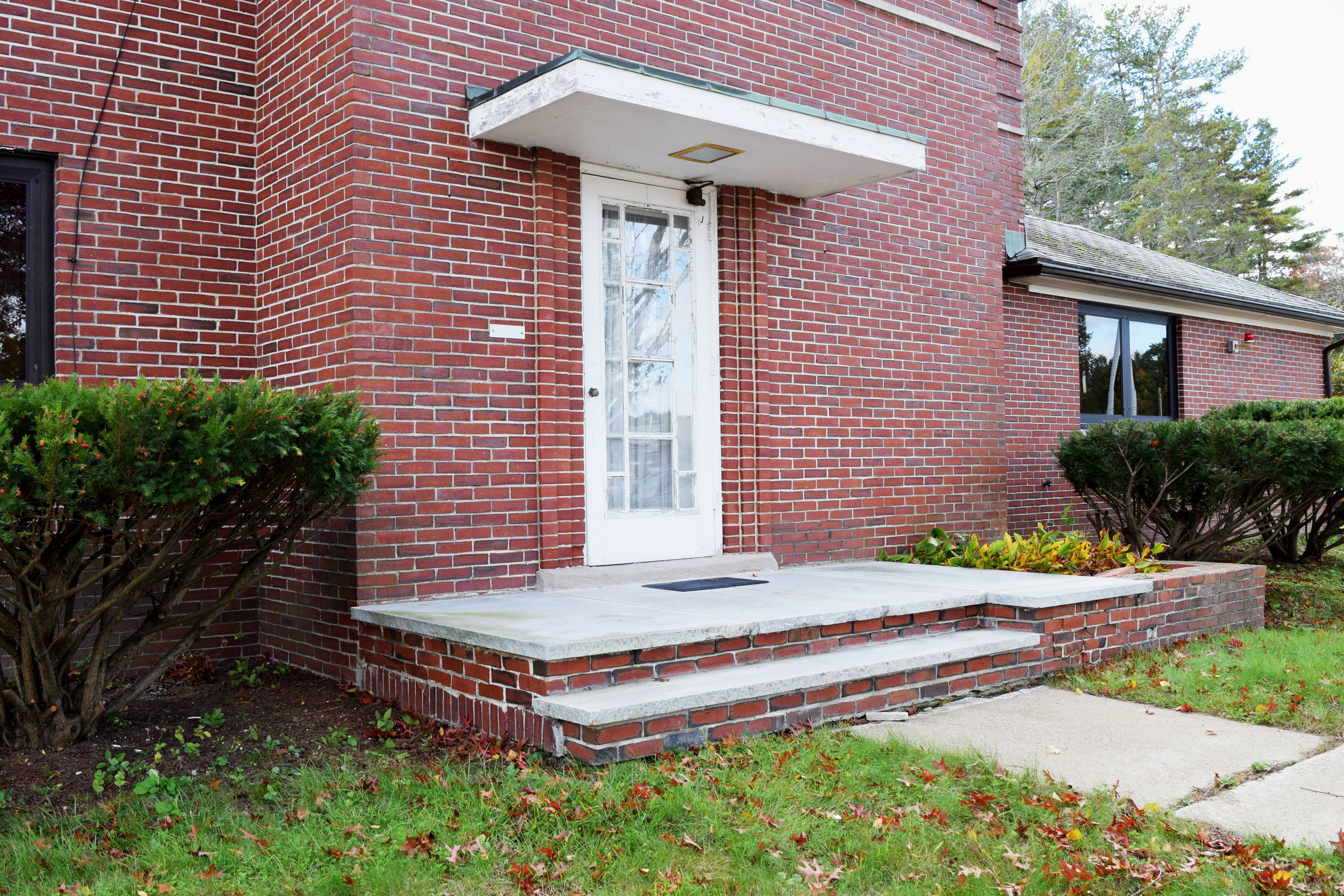 VAMC Managers Residence - front entrance.jpg