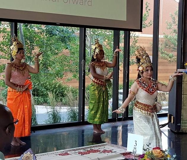 3 dancers 3 cropped.jpg