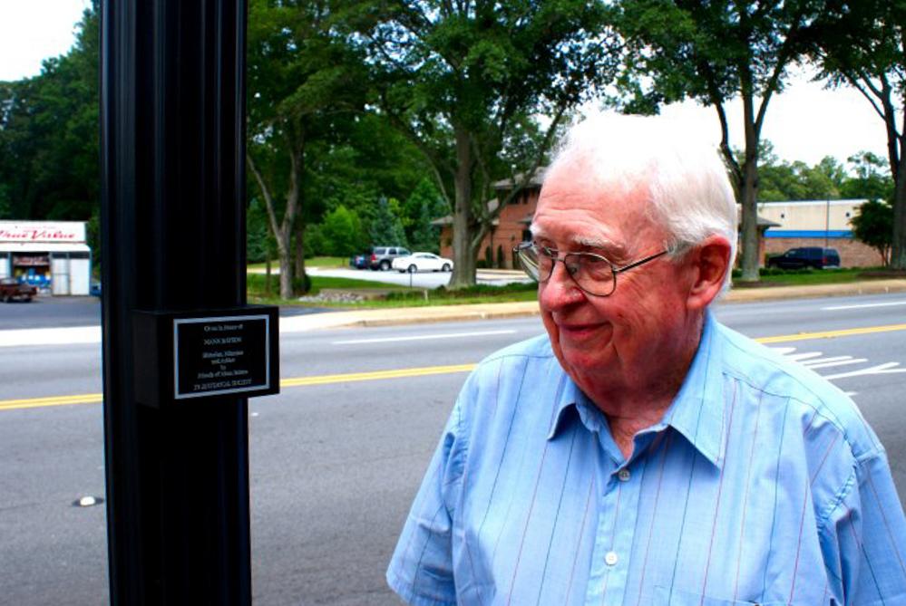 Mann at plaque31-s-1.jpg