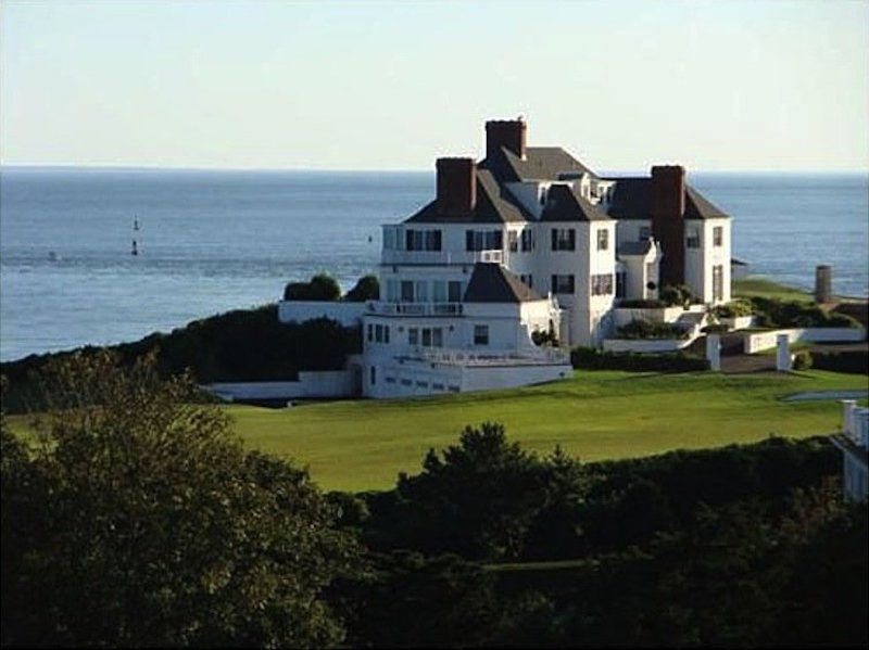 Taylor Swift's Rhode Island home. (Bought and Paid for with cash!)