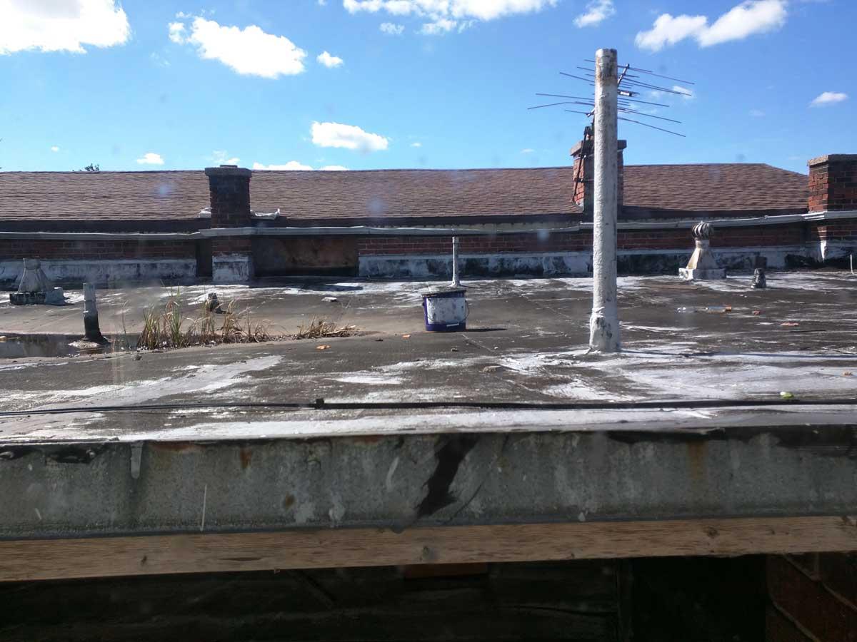 5x30 Roof above light well