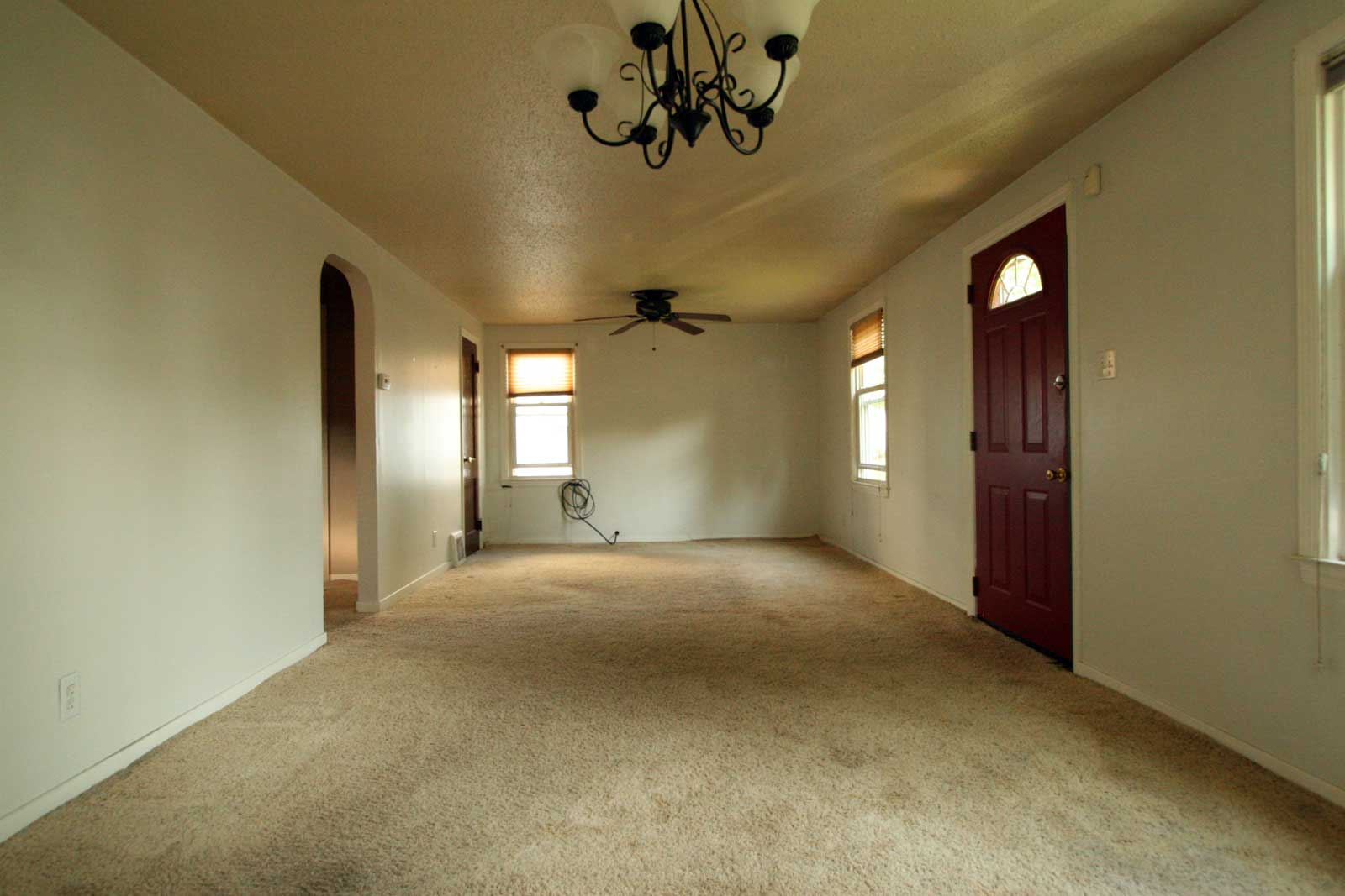 Existing condition in the living/dining space
