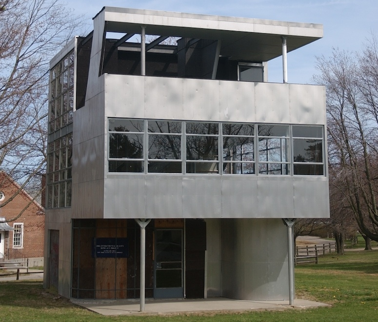 Aluminaire House - Photo from the Aluminaire Foundation - Click to learn more