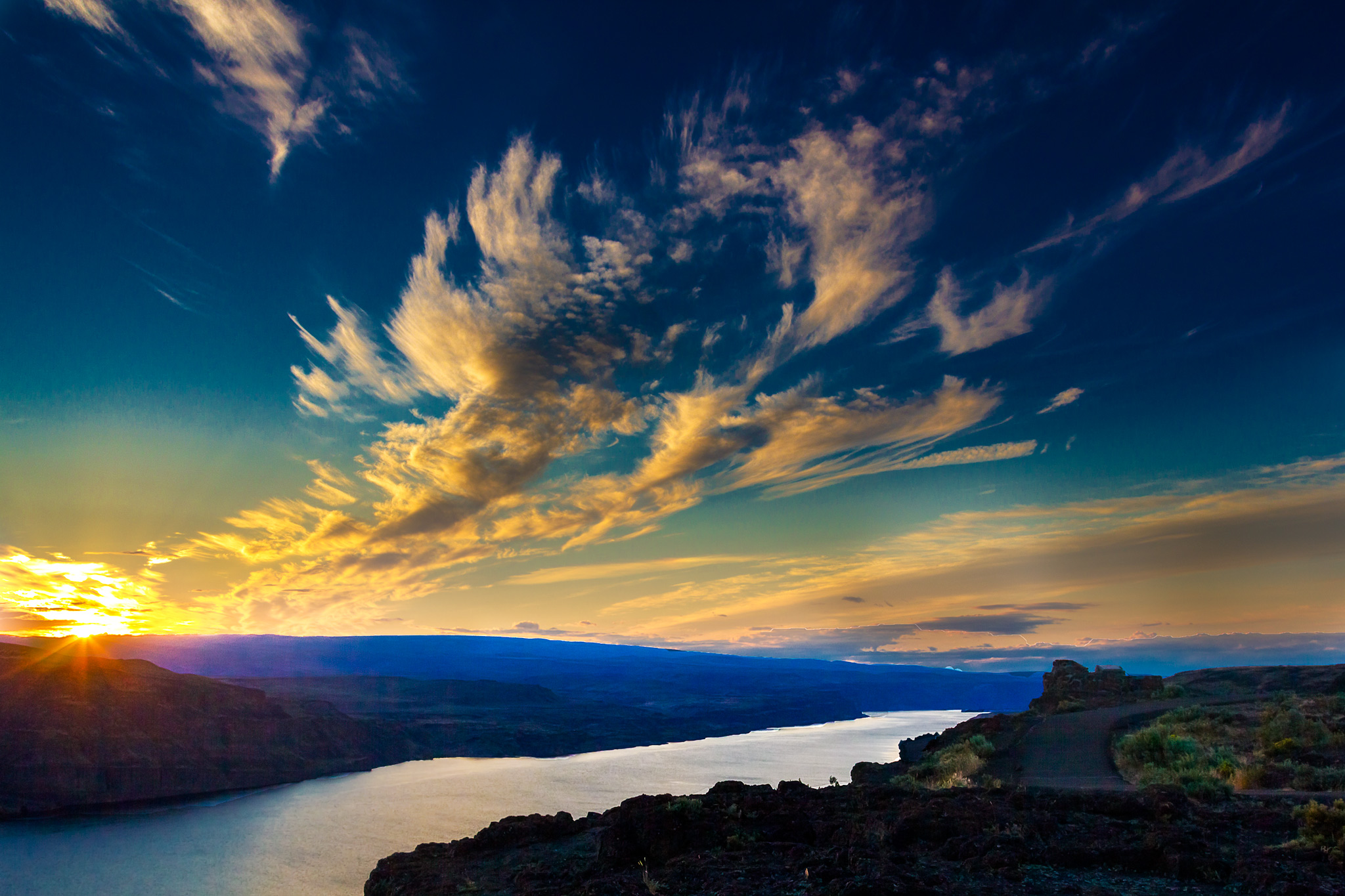 Columbia-River-atSunset.jpg