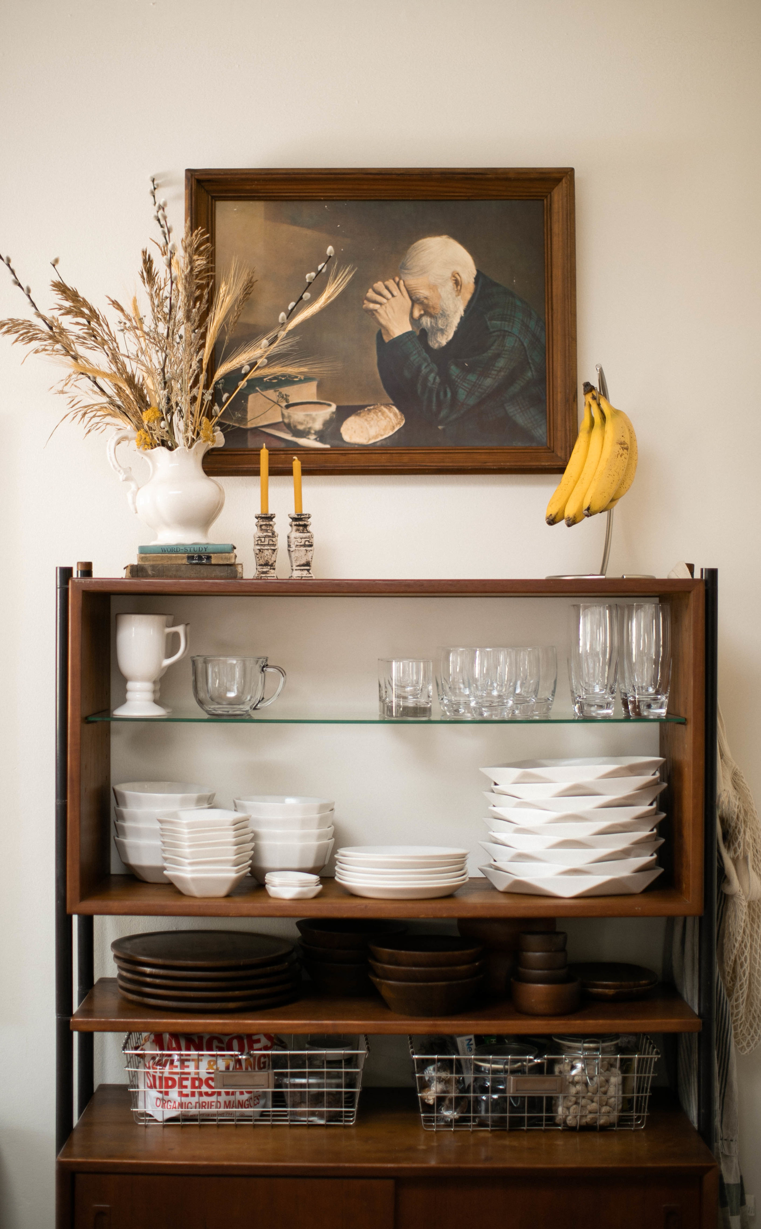 CONVIVIAL - Assortment of  Table  wares