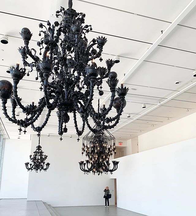 Not to be missed: #FredWilson's 'Chandeliers' closes this Saturday! ⠀⠀⠀⠀⠀⠀⠀⠀⠀⠀⠀⠀ — ⠀⠀⠀⠀⠀⠀⠀⠀⠀⠀⠀⠀ On view at @pacegallery's new global headquarters, the Murano glass chandeliers hang from the 19-foot ceiling on the gallery's seventh floor▪️The five works are being shown as a group for the first time, with the exhibition including Wilson's first chandelier, made in 2003 when he represented the United States at the 50th Venice Biennale. #PaceGallery