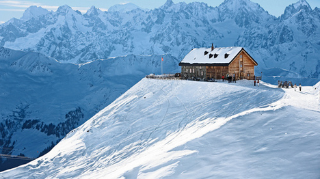 Cabane Mont-Fort   The ideal place to enjoy a breathtaking view, a very warm welcome and a typical lunch at an authentic high-altitude hut.