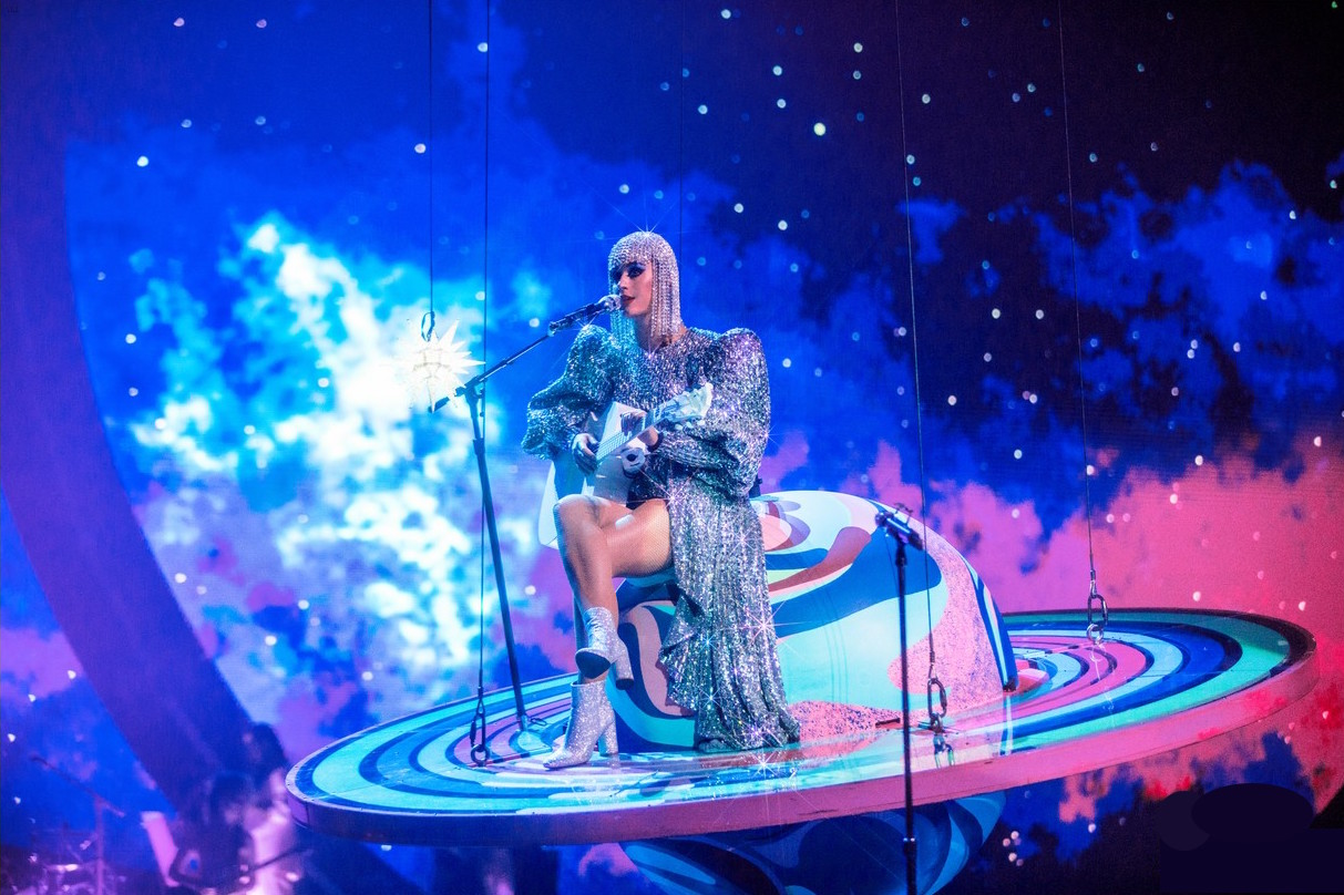 katy-perry-launches-witness-tour-11.jpg