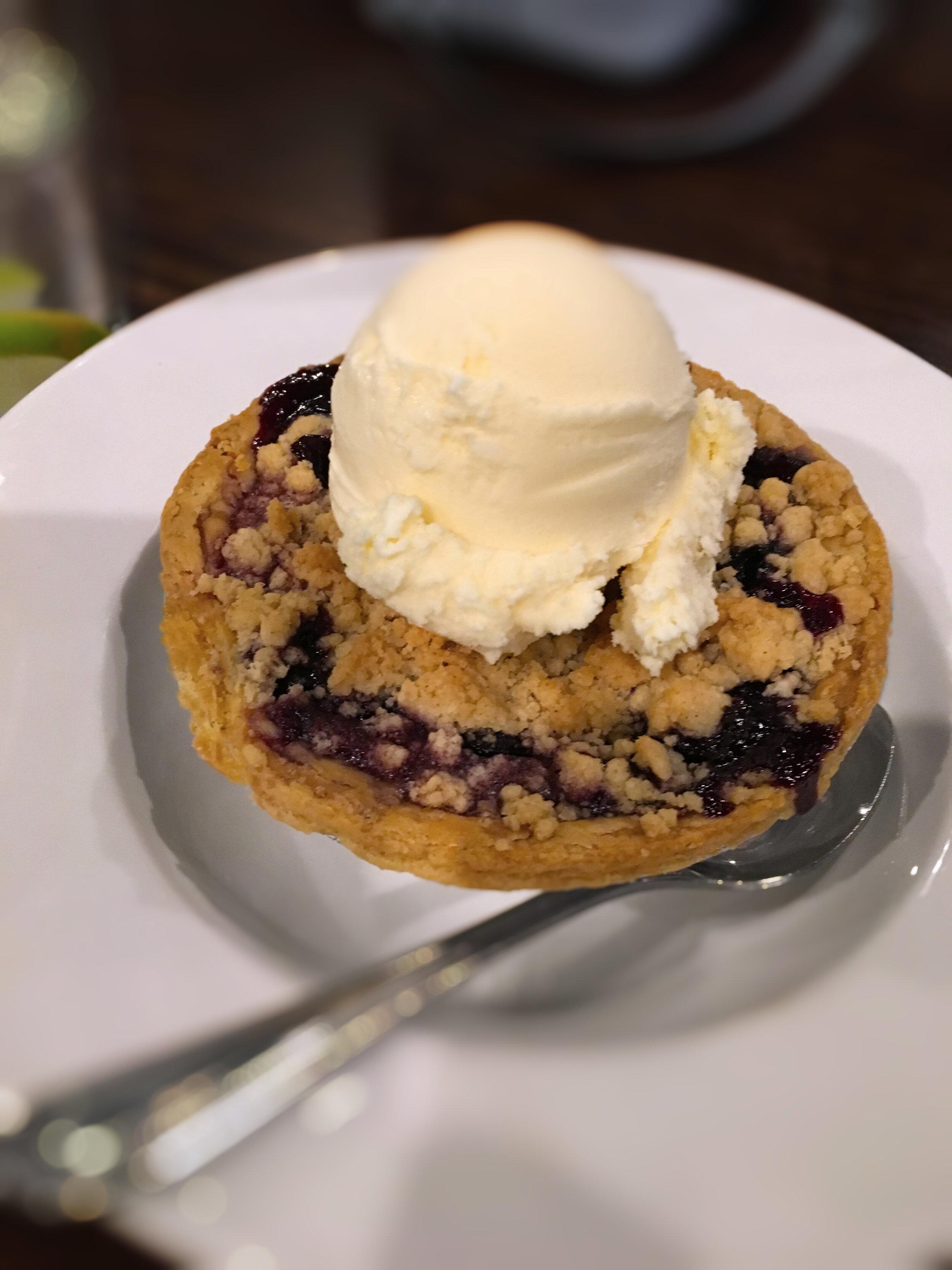 Blueberry Pie à la mode Special Dessert