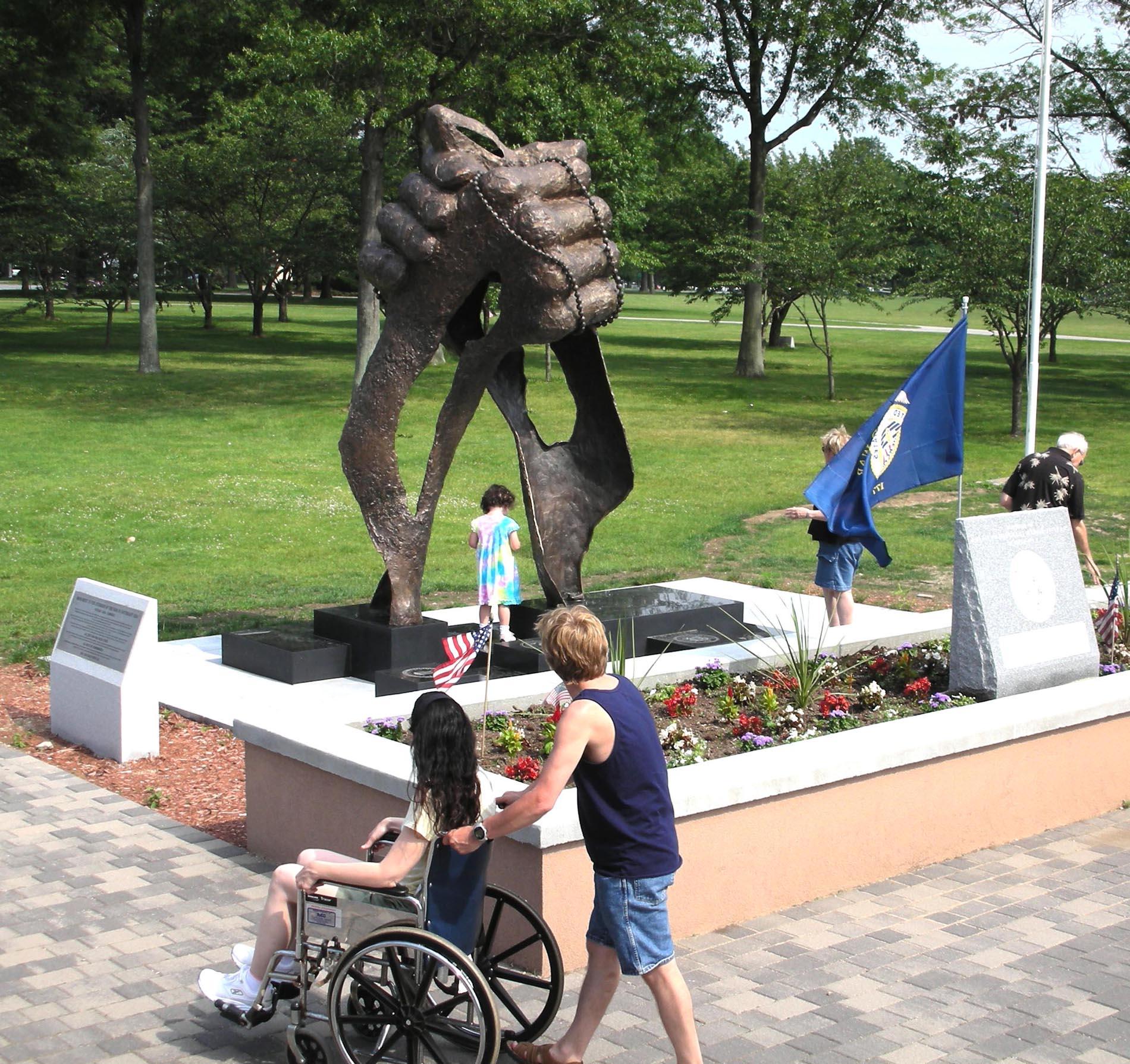 Vietnam Veterans Monument4.jpg