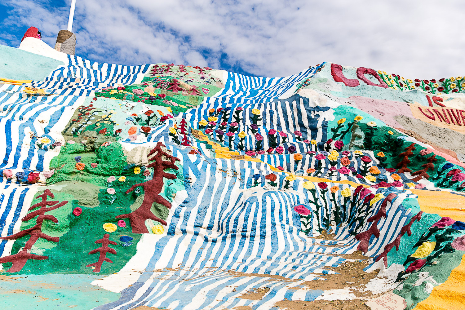 Salvation Mountain, California © Kat Molesworth (2).jpg