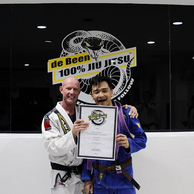 Our coach and supporting figures @khomichael and @kevin.darmawan promoted to purple and brown belt. Very well deserved boys! #peterdebeenjiujitsu #debeenjiujitsuindonesia #debeenjiujitsufamily #debeenjiujitsuindonesiahq #bjjcoach #bjjbrownbelt #bjjpurplebelt