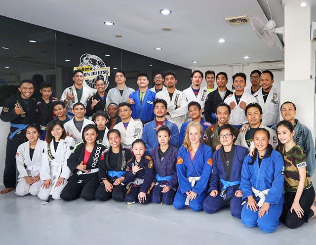 dBJJ Indonesia HQ & Bintaro in effect today for some ninja training with coaches from all  different dBJJ associates of Jakarta! @leokrishna @phetboimikebjj @muscledome_gym @ribbiribs @juannov21 @ariqnoor  Credit 📷 @tammynators  #peterdebeenjiujitsu #debeenjiujitsuindonesia #debeenjiujitsuindonesiahq #debeenjiujitsubintaro #debeenjiujitsubsd #debeenjiujitsucibubur #muscledomegym #bsamartialarts #hbrotherscamp #debeenjiujitsuindonesiafamily