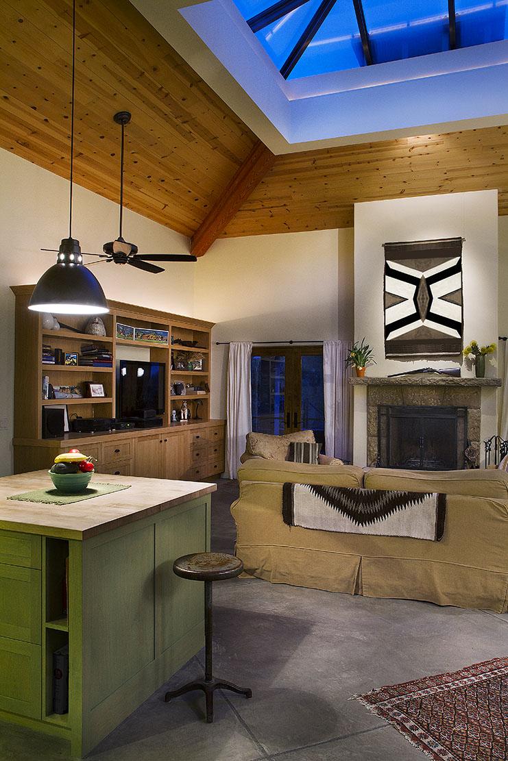 Livingroom_vert_dusk_done.jpg