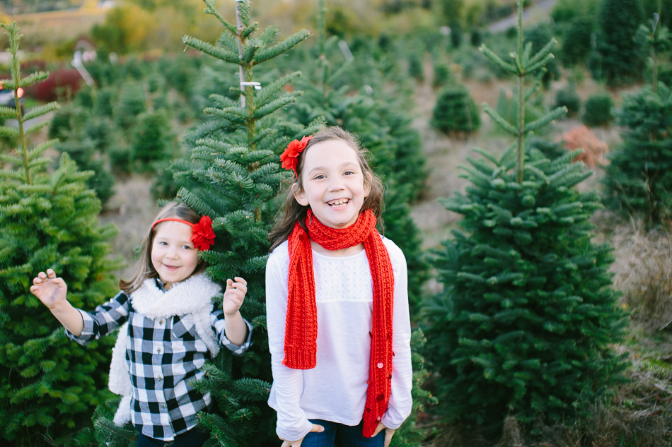 sleighbells-of-sherwood-christmas-tree-farm-family-photos-14.jpg