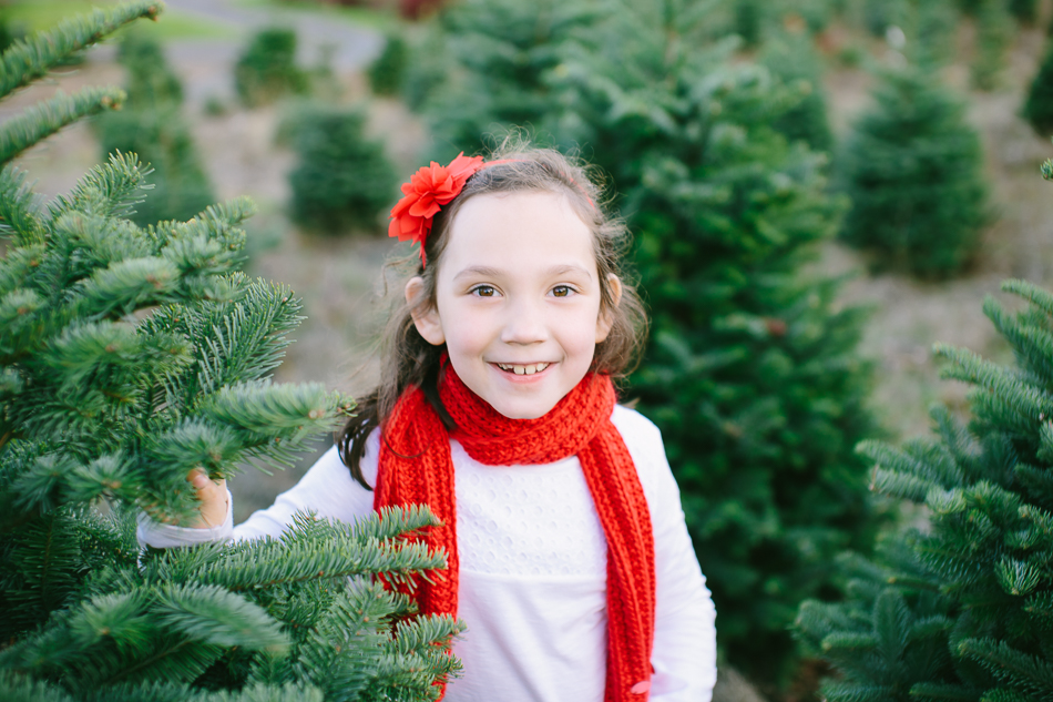 sleighbells-of-sherwood-christmas-tree-farm-family-photos-15.jpg