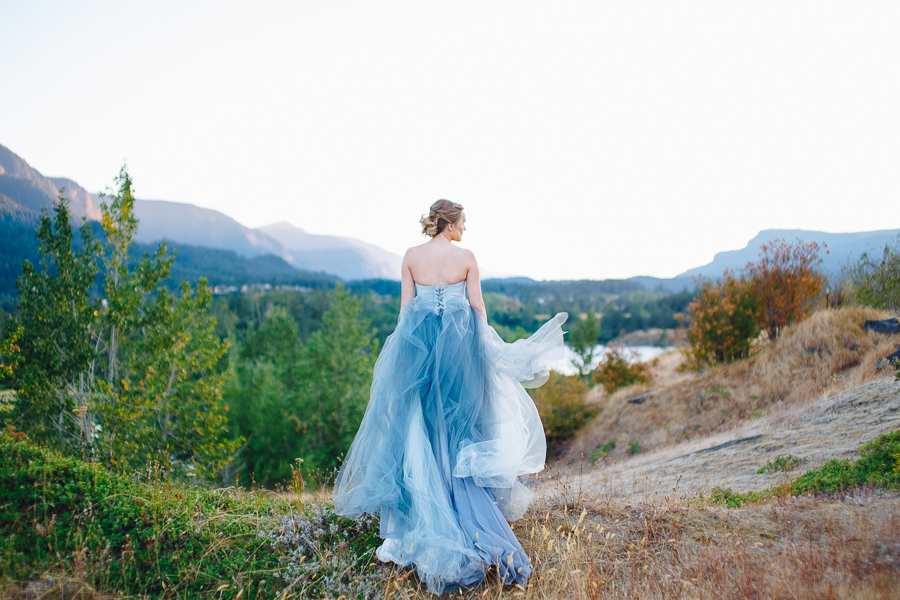 columbia-river-stylized-bridal-shoot-blog-20.jpg