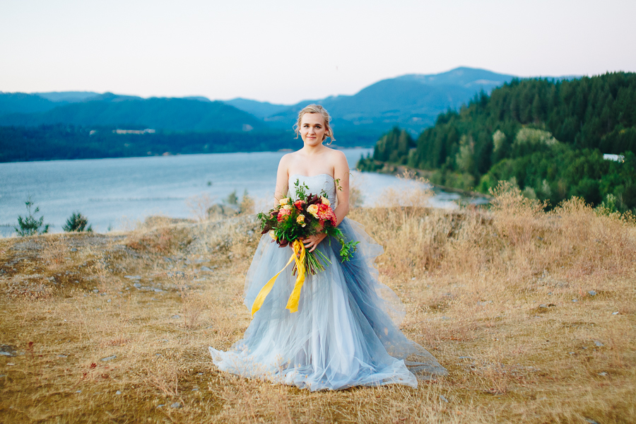 columbia-river-stylized-bridal-shoot-blog-114.jpg