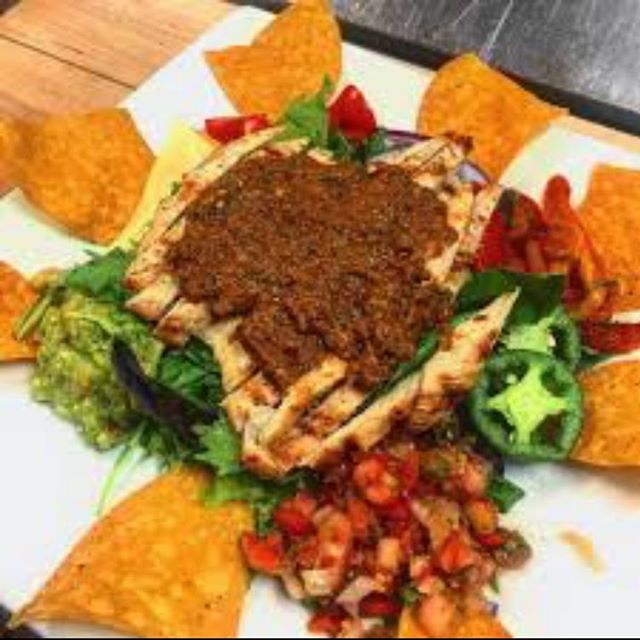 Not feeling like a burger? No problem! . . Try out our Cabo San Lucas Salad- Guacamole, Salsa, fresh Jalapeño, Jack Cheese, tortilla chips, topped with Mexican grilled chicken 🤤☝🏻🌶🥑 . . #lunchideas lunchideas #dinnerideas #bestburgers #salads #saladsofinstagram #hellskitchen #hellskitchennyc #upperwestside #upperwestsidenyc #nomnom #midtownmanhattan #hungrygirl #hungry #hungryhungry #hungrynyc #nyc #nyceats #nycphotographer #nycfoodie #nycfood