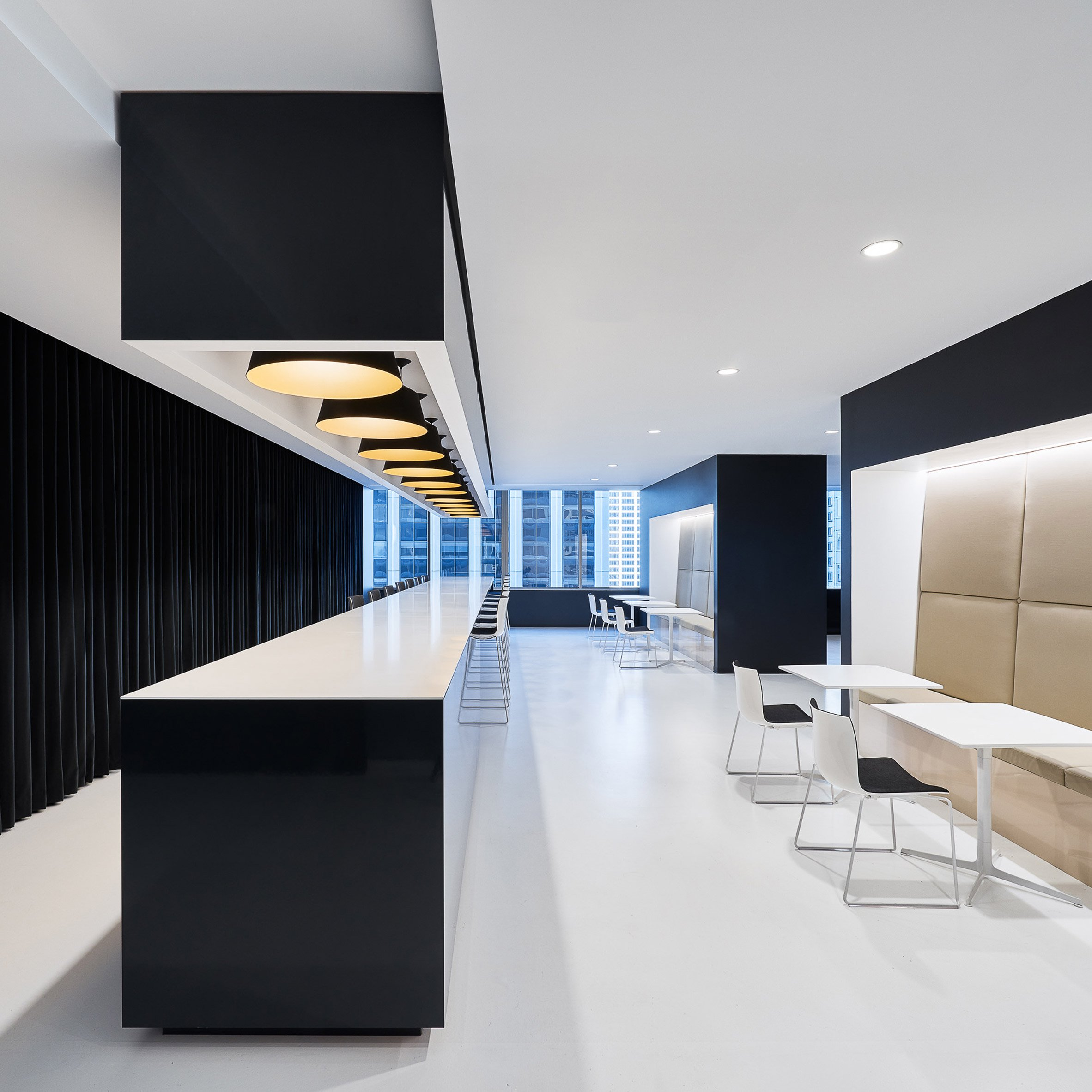 Garcia Tamjidi Architecture Design created this black and white office space for beauty brand Kendo - San Francisco, CA