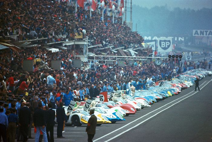 1970's 24 Hour Le Mans race in France
