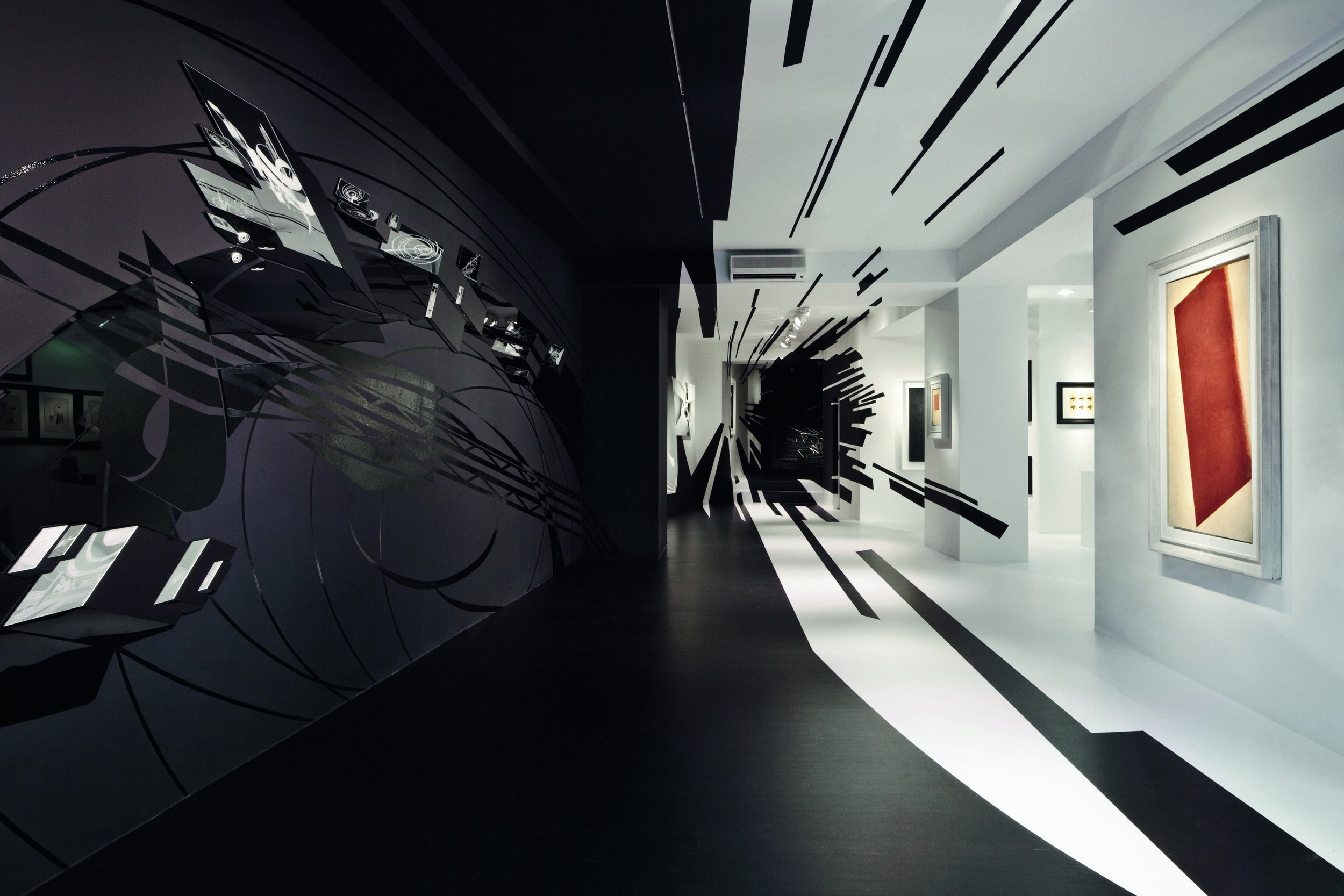 Zaha Hadid designed and curated a groundbreaking exhibition at Zurich's Galerie Gmurzynska, comparing works of the Russian avant-garde with those of her own.