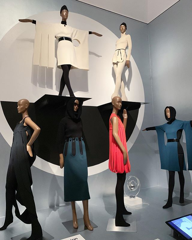 "🔲Exploring w/ fashion friends 🔲. At the Pierre Cardin exhibit at @brooklynmuseum one quote caught my eye & it read: ""As a business man, Cardin sought financial independence, because financial independence meant creative independence. More than eight hundred licenses afforded him the freedom to explore interests beyond fashion....... At ninety-seven, Cardin arrived at the office each morning & continues to design. He remains curious about what's next, what's new, & what's in our collective future."" Sunday is all about reflections & improvement: I'm ready to reach my financial goals & gain creative independence.  #brooklynmuseum #bkmuseum #pierrecardin #fashionevents #dayoffvibes #futureoffashion"