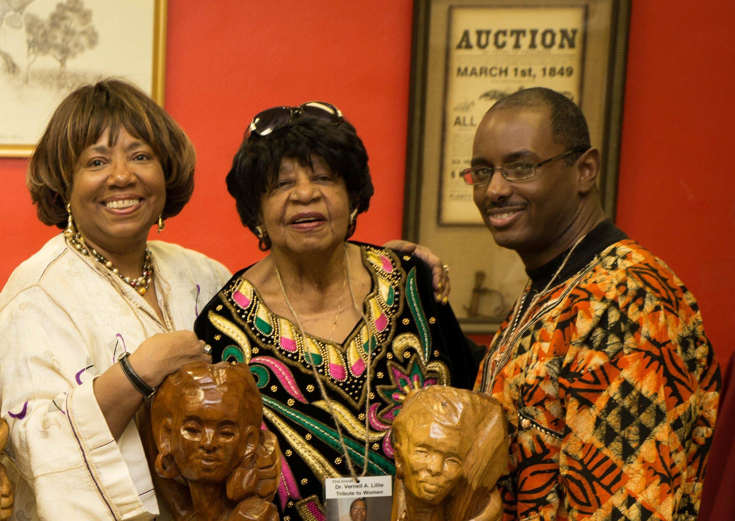 Betty J. Tilman  ( center)