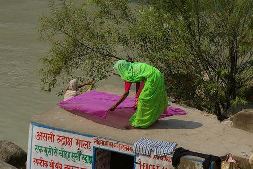 Green sari, purple scarf.JPG