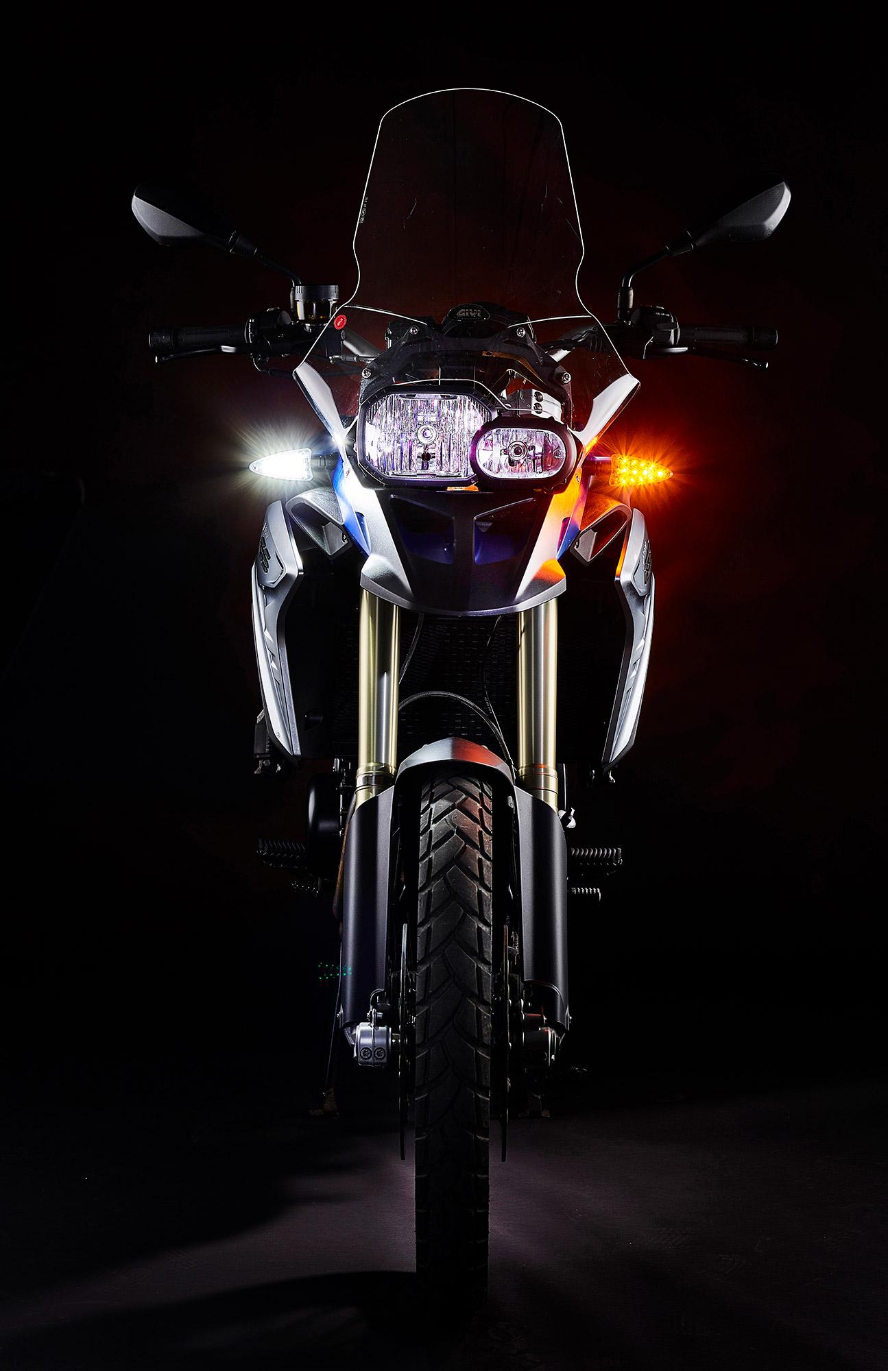 weiser-driving-light-turn-signal-new-front-2a-web.jpg