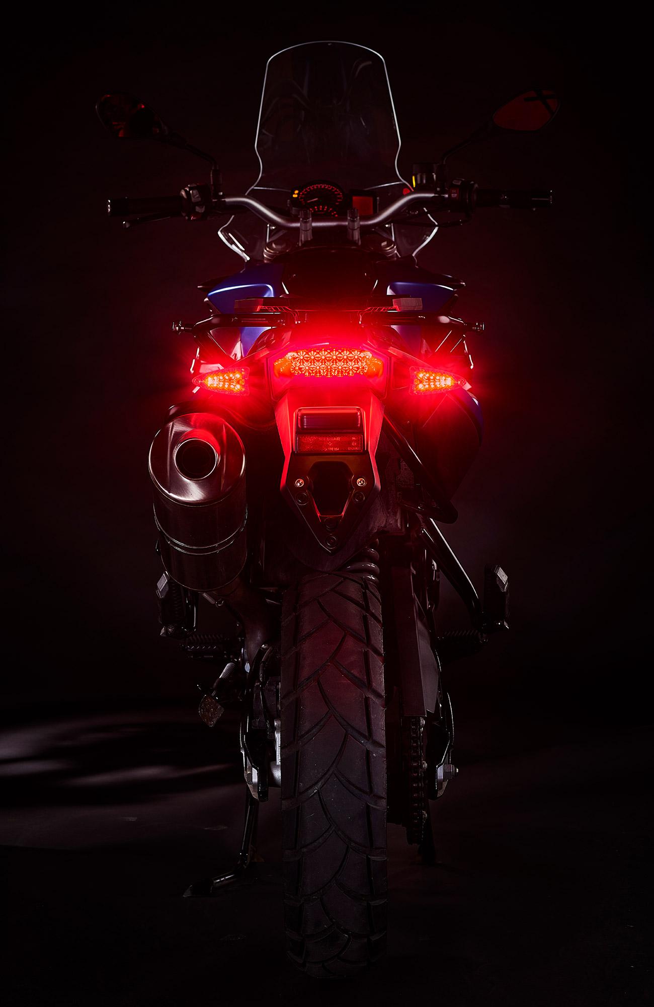 2-in-1-ultrabrights-brake-turn-newBMWs-1 (web).jpg