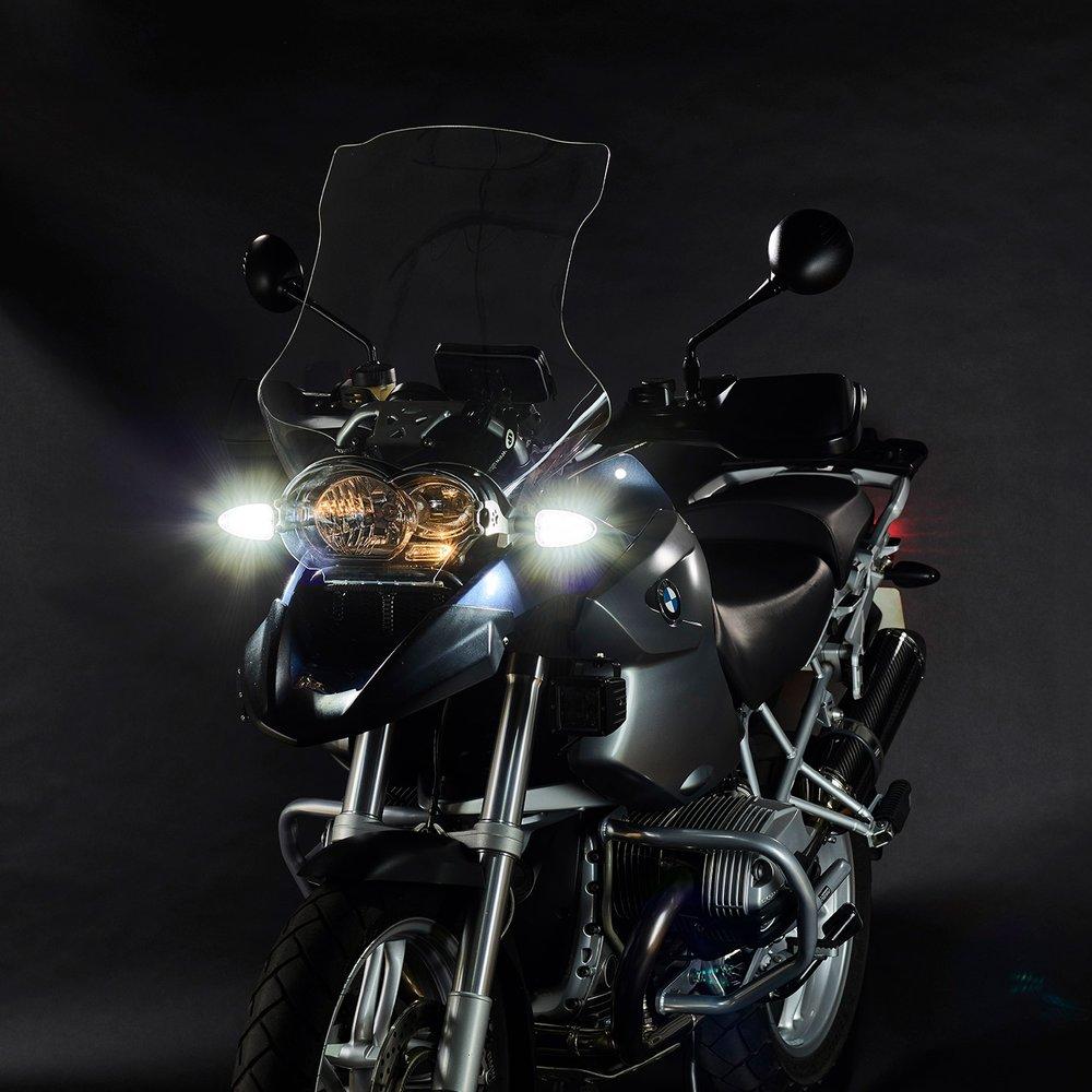 weiser-2-in-1-driving-light-blinkers-legacy-extreme-1-web.jpg