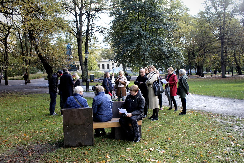 Hans Rosenströms verk  Ett kluvet hus  (A House Divided) för Ljudbänken c/o Humlegården invigdes fredag 28 september. ©Bodil Bolstad