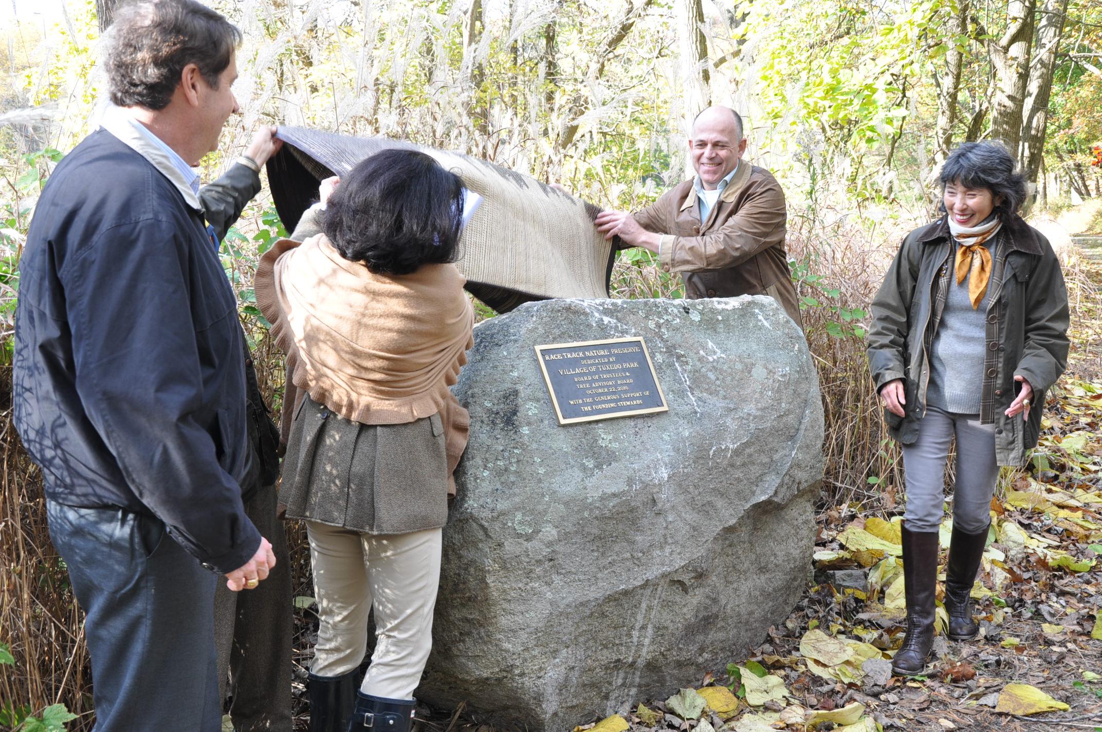 Unveiling the Dedication plaque.