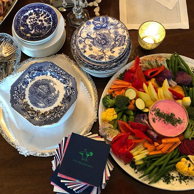 A crudité platter with a Beet Garlic Buttermilk Dip for a perfect mix of summertime colors. It went well with the mix of blues and whites from the Jones party this past Friday. Charlene has an array of interesting plates, textures, and colors located in her Vault. • • • #charleneskitchen #charlenesvault #oldtownalexandriava #alexandriava #catering #rental #design #colors #texture #summertime #plates #napkins #vintageglassware #dinner #bonappetit