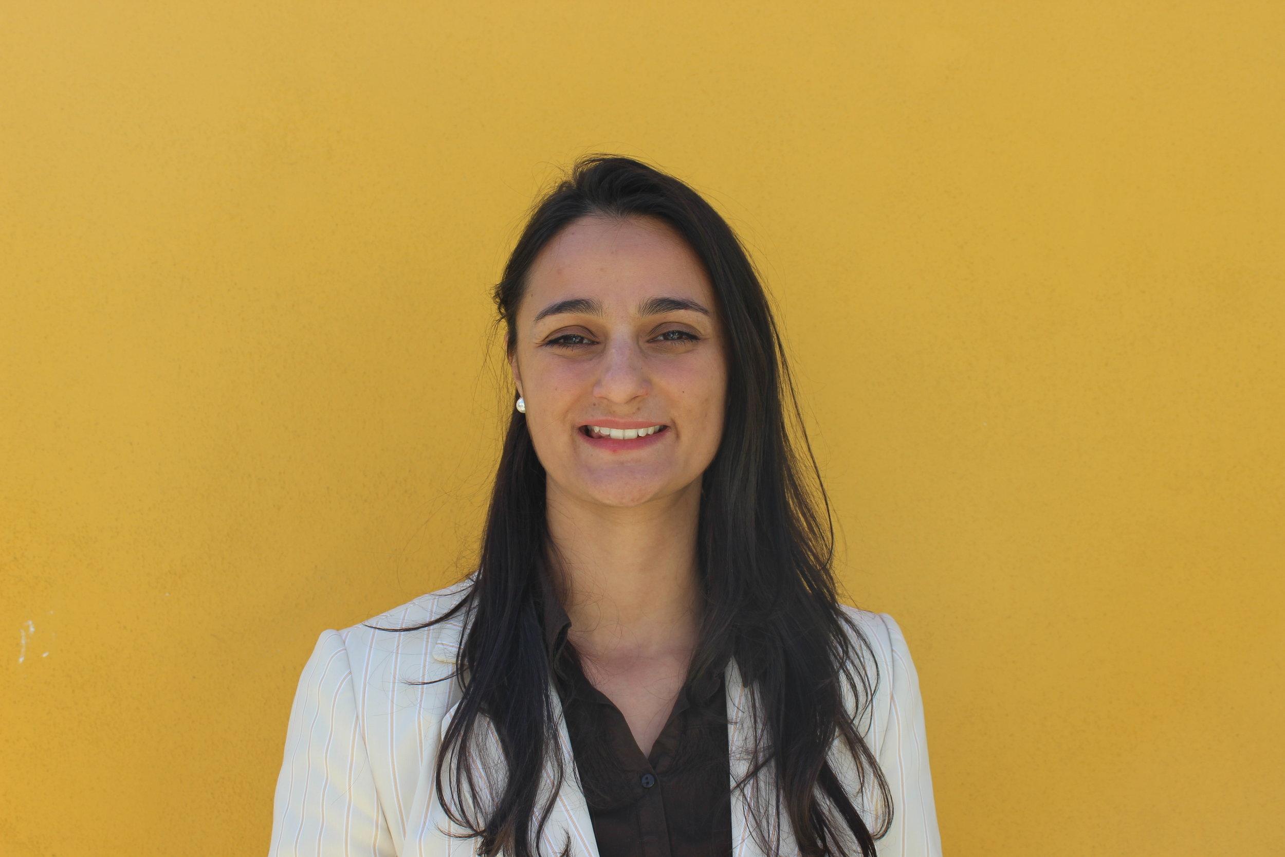 MARTA BICHO  Professora Auxiliar de Marketing e Coordenadora da Licenciatura em Gestão de Marketing no IPAM (Instituto Português de Administração e Marketing). Paralelamente, é consultora e formadora em Marketing e Desenvolvimento Pessoal. Como experiência profissional exerceu funções de Customer Relationship Marketing e Gestão de Comunicação. Colaborou ainda, como consultora em projectos sociais e realizou voluntariado internacional, em Moçambique. É doutorada em Marketing e licenciada em Gestão (ISCTE- Business School).   SUPER PODER -  Fusão entre Visão + Foco. Visão como a capacidade de ver as possibilidades e Foco como a capacidade para as implementar e orientar com o objectivo de alavancar o melhor de cada projecto