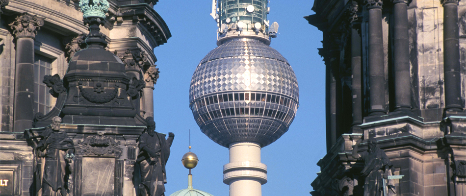 TV Tower & Dome Image © Berliner Fernsehturm