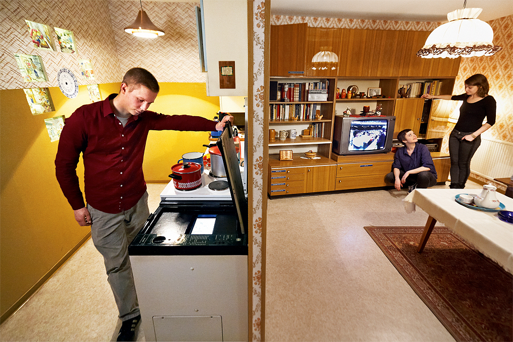 Plattenbau kitchen & living room. Image © DDR Museum