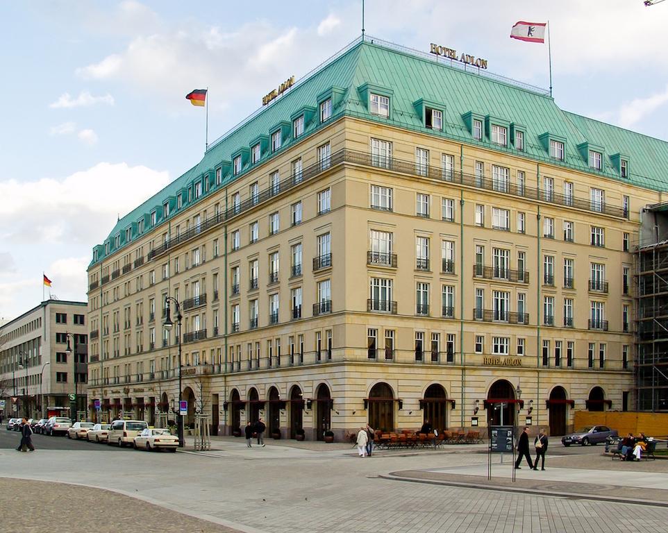 Exterior of Hotel Adlon © Hotel Adlon Kempinski
