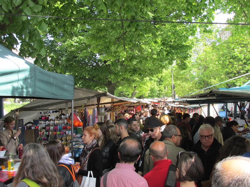 The weekly turkish market at Maybachufer in neukölln © melinda barlow