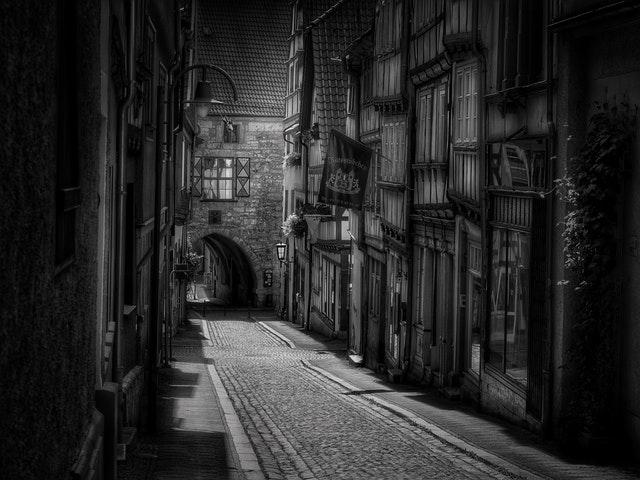 black-and-white-buildings-city-33540.jpg