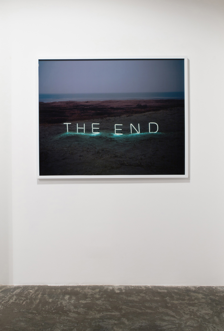 Jung Lee, Green Art Gallery, Installation view 17 (The End, 2010, C-type Print,100 x 125 cm)