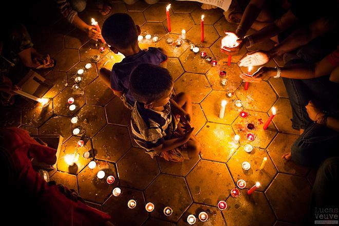 Earth Hour Luvas Veuve