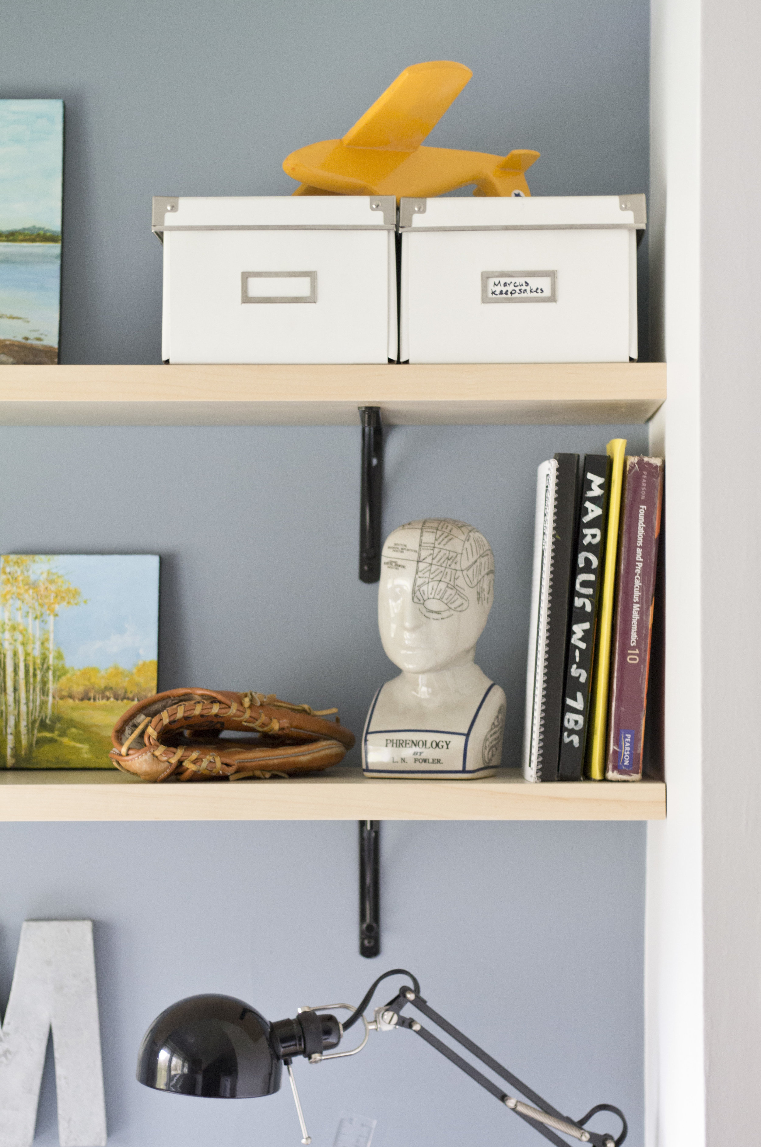 Marcus_detail_shelves_IMG_6912.JPG