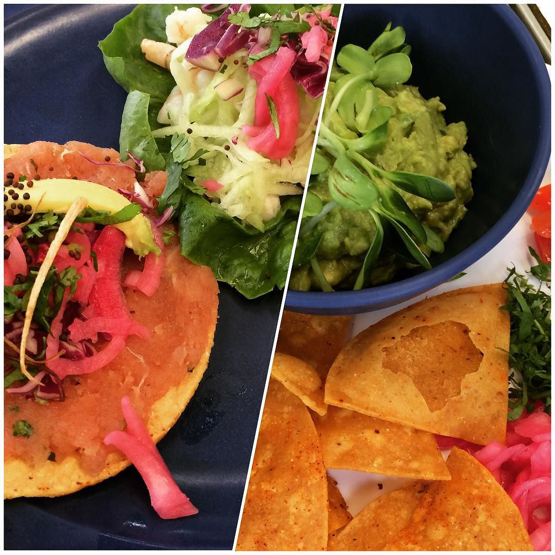 Fresh #Mexican-style #seafood, nothing better! At @losaguachilesrm in #Cancun: #tuna tostada, lettuce tacos with #aguachiles (seasoned shrimp), and guac with #sprouted sunflower greens. #local #guac #sunflowergreens #lazynutritionist #lazynutrition #lettucewraps #totoposconchile  http://ift.tt/1RBTwnc