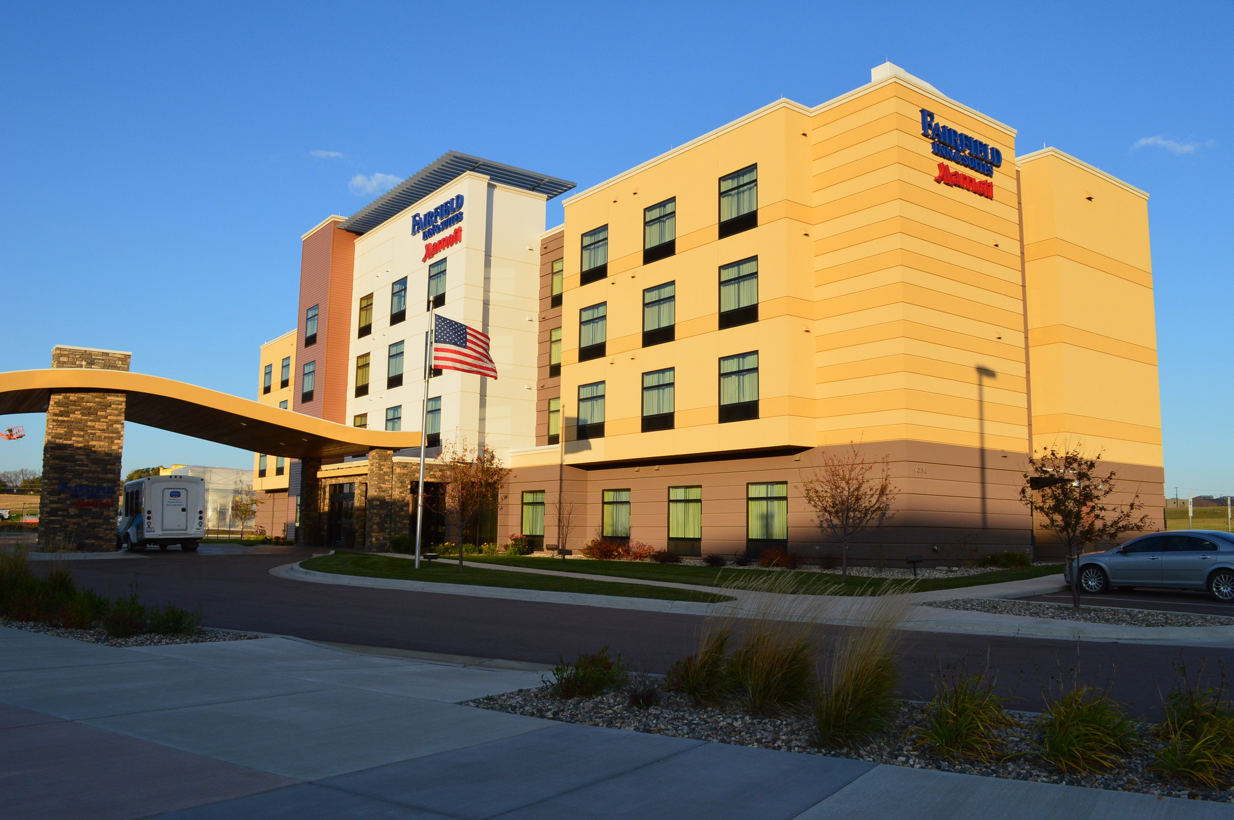 Fairfield Inn & Suites Airport