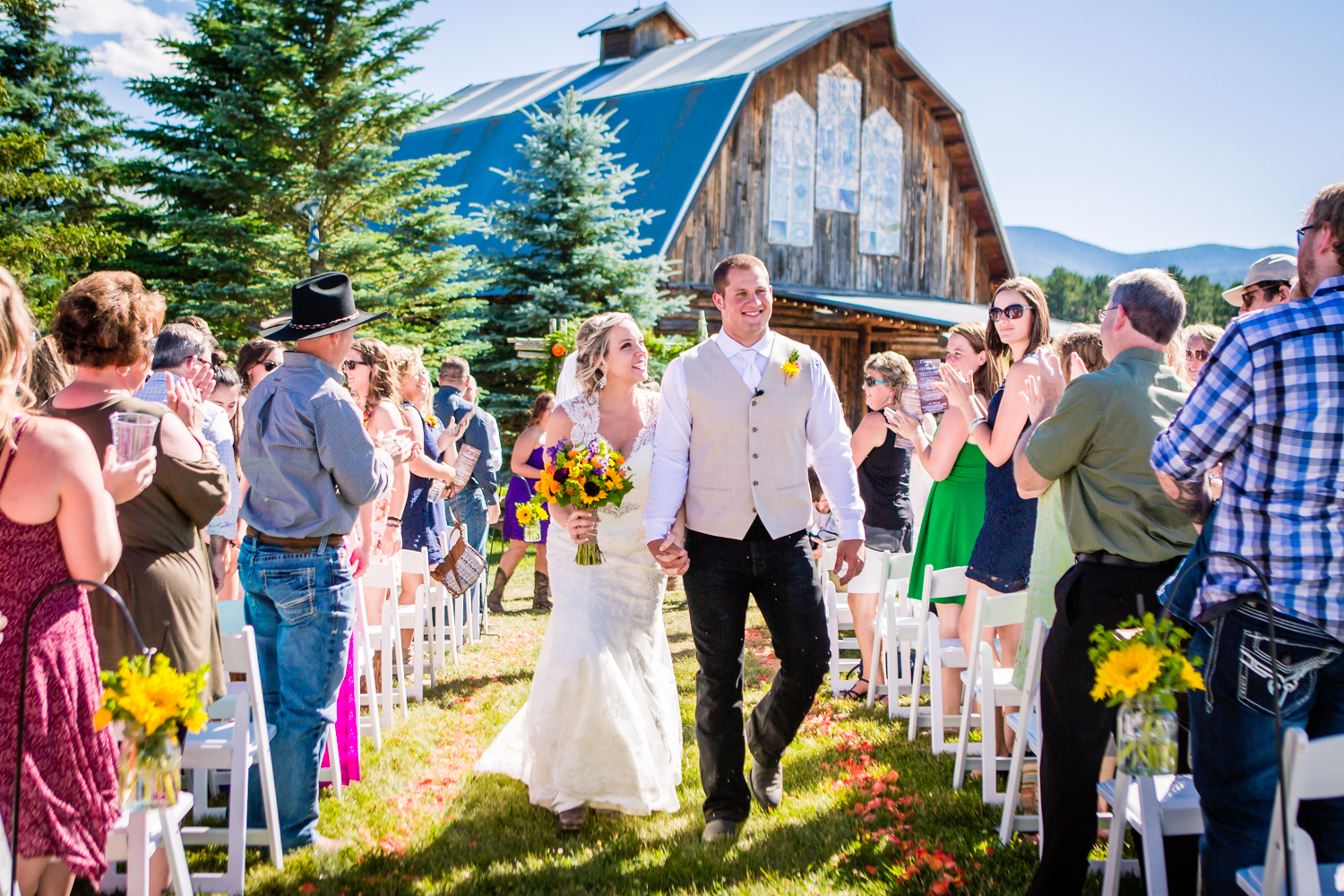 Wedding at The barn at Evergreen Memorial. Photographed by JMGant Photography.