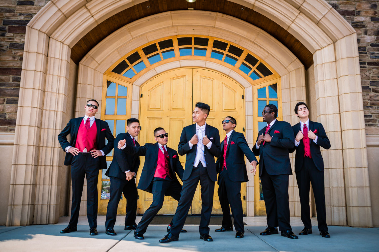 Blackstone Country Club wedding by JMGant Photography. Groomsmen hanging out!