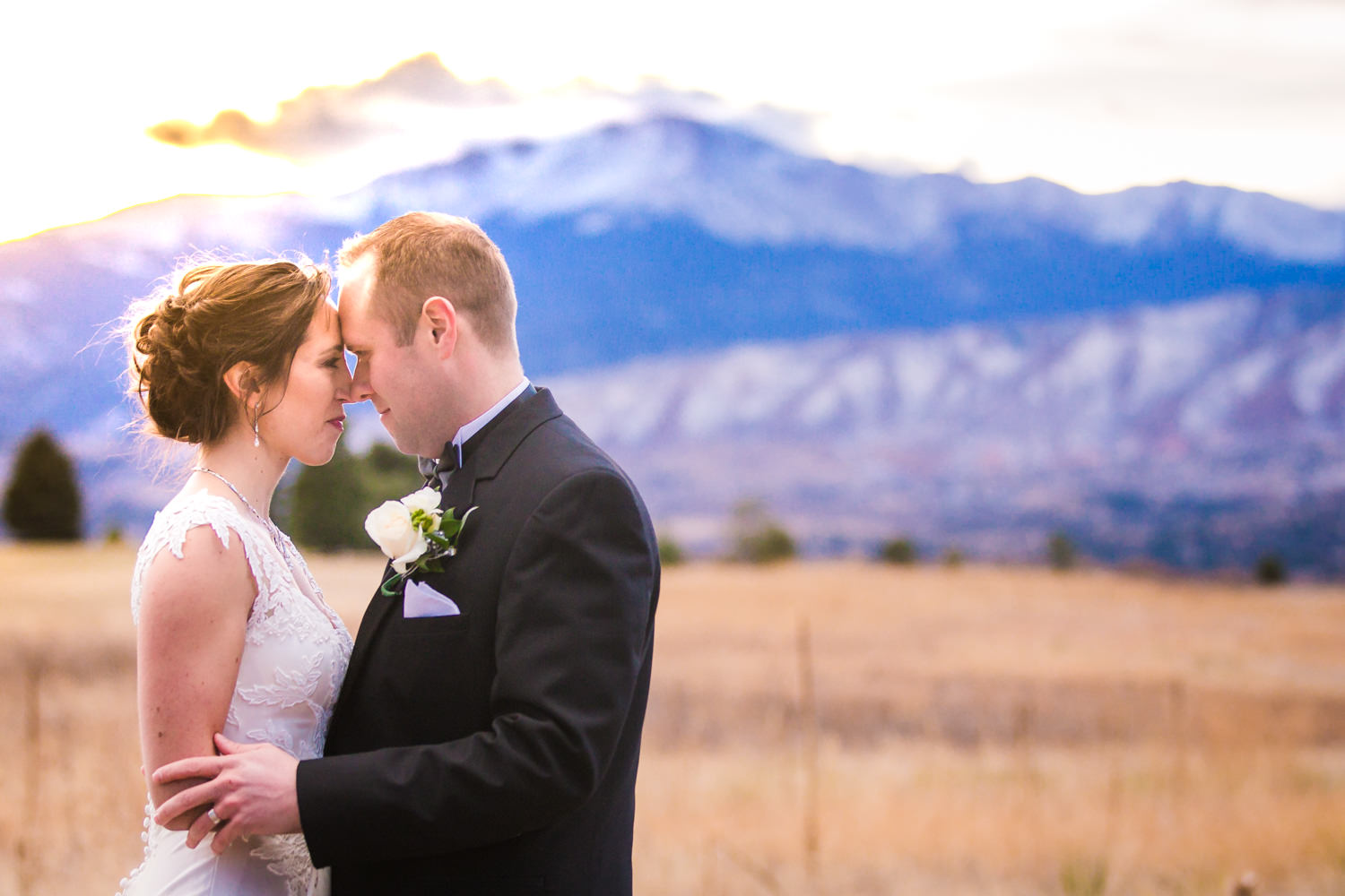 Colorful_colorado_sunset_wedding_pictures