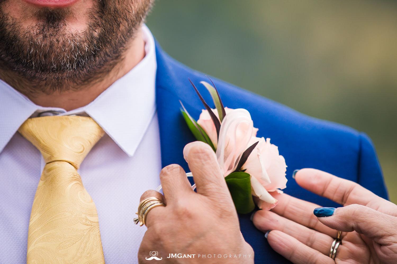 Summer elopement inRocky Mountain National Park© JMGant Photographyhttp://www.jmgantphotography.com/